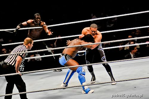 The Raw Wrestlemania Revenge Tour 2012, wrestling,SmackDown,akrobatyka,aktorstwo,,Ergo Arena,Gdańsk,Kofi Kingston,Epico,R-Truth